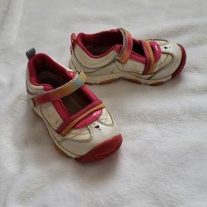 Stride Rite size 6.5 toddler girl walking shoes